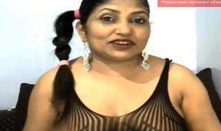 Indian Auntie Spread Asshole on Webcam