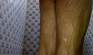 Indian Pinki bhabhi spying her husband Jeet when bathing