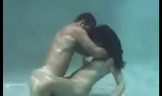 Underwater Hot Sexual connection (Full Video)